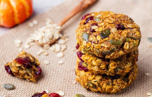 Pumpkin, oat cookies with cranberries and maple glaze | Vegan Pumpkin Cookies with Maple Glaze | Vegan Thanksgiving Dishes For The Whole Family